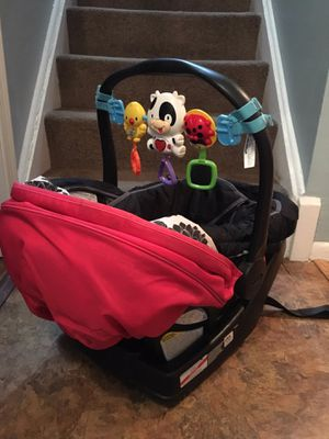 Graco pink and black infant car seat for Sale in Landover, MD