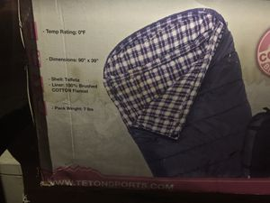 Teton sports Fahrenheit XXL 0 degree sleeping bag ( in box never used ) for Sale in Los Angeles, CA