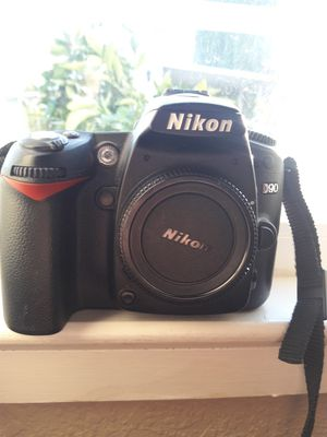 Nikon D90 12.3MP Digital SLR Camera for Sale in Roseville, CA