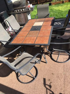 6 sitter outdoor table! Good condition! for Sale in Vancouver, WA