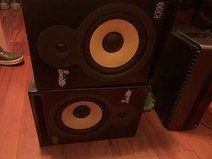 2 krk rokit 8 speakers w/ subwoofer for Sale in Miami, FL