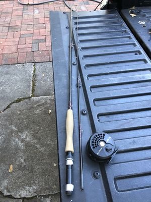 South bend 6wt fly rod 8' 2 piece with reel for Sale in Norfolk, VA