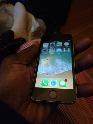 Apple iPhone 5 s 32gb for Sale in Boston, MA