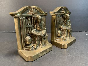 "PM Mid-Century Cast-Metal Gold Scholar Monk Bookends (Height: 5-1/4"") for Sale in Dade City, FL"