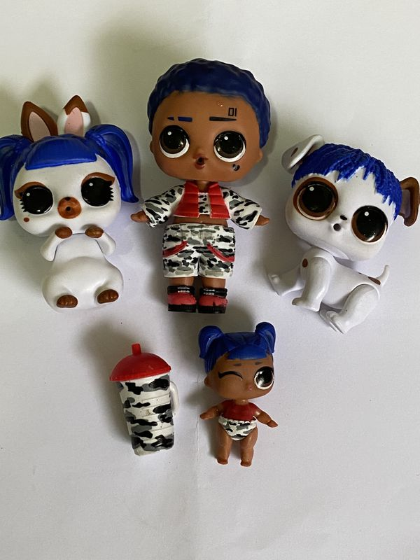 Lol Dolls lot of 4