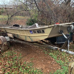 14ft John Boat And Trailer for Sale in Oklahoma City, OK