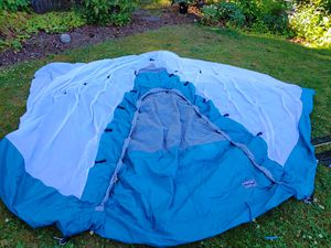 Tent for Camping, Erueka Brand 4 to 5 people for Sale in Kirkland, WA