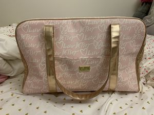 Betsy Johnson Weekender Bag for Sale in North Potomac, MD