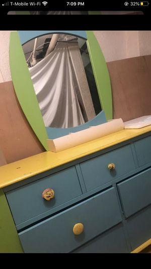 FREE Kids dresser mirror storage shelf PICK UP ONLY for Sale in Los Angeles, CA