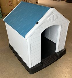 "$75 (brand new) medium dog house waterproof plastic 35x31x32"" for Sale in Whittier,  CA"