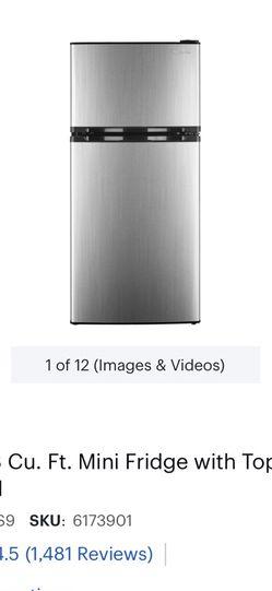 Mini Refrigerator Best Buy Insignia for Sale in Oldsmar,  FL