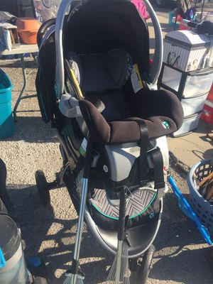 Baby striker with car seat for Sale in St. Louis, MO