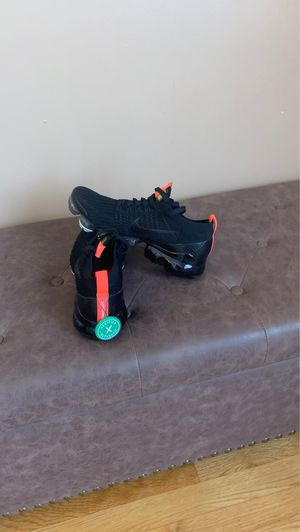 Never used Nike Air Vapormax Flyknit 3 Snakeskin Black Gold Size 7 with stock x tag for Sale in Chelsea, MA