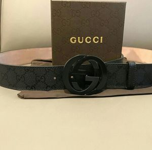 Gucci belt for Sale in Cleveland, OH