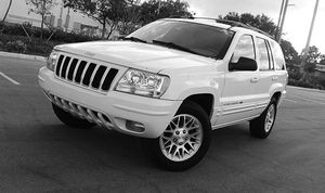 Automatic O4 Jeep SUV Grand Cherokee 4WDWheels for Sale in Bluewell, WV