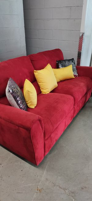 Red reclining sofa.. comfortable... very firm seats excellent condition for Sale in Upper Marlboro, MD