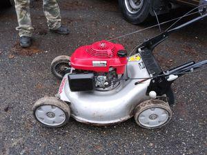 Honda self propelled lawn mower. for Sale in Seattle, WA