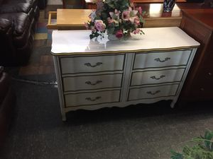 White French provincial 6 drawer dresser for Sale in Front Royal, VA