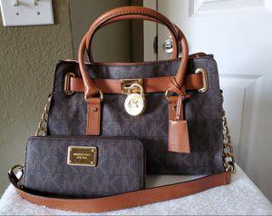 Michael kors bag and wallet for Sale in Riverside, CA
