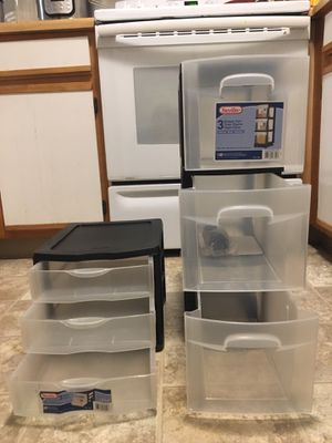 Two plastic drawer storage with three drawers for Sale in Cranberry Township, PA