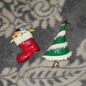 2 Misc. Christmas Brooches for Sale in La Plata, MD