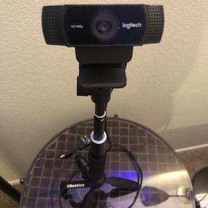 Streamer Package #02: Logitech C922 Webcam With Detachable Mini-tripod + Selfie Stick Combo for Sale in Las Vegas, NV