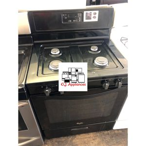 Black four burner whirlpool gas for Sale in Cleveland, OH