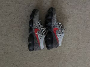Nike Vapormax Grey & Red for Sale in Detroit, MI