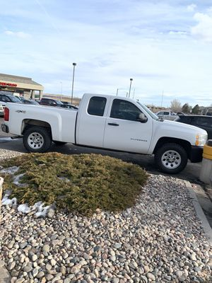 2011 Chevy Silverado 1500 Extended Cab V8 4x4 for Sale in Colorado Springs, CO