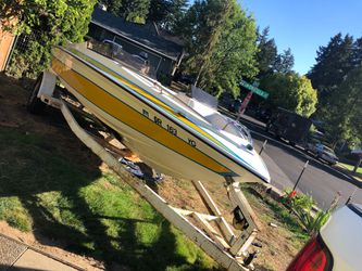 4 cylinder boat, galaxy California for Sale in Tualatin,  OR