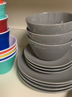 Dinnerware Set for Sale in Twinsburg,  OH