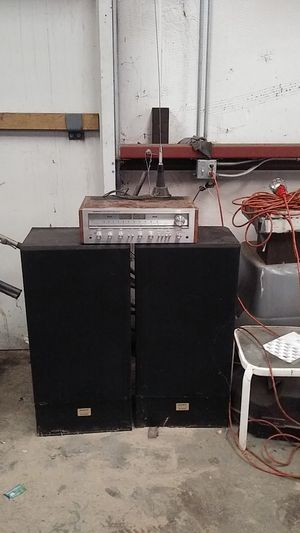 "Pioneer stereo receiver model SX - 650 w/two 15""spkrs. Soney for Sale in Ceres, CA"