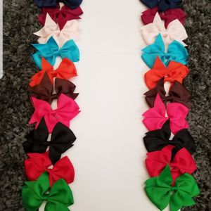 Girl hair Bows 20 Pieces/ 3.5 Inches for Sale in Los Angeles, CA