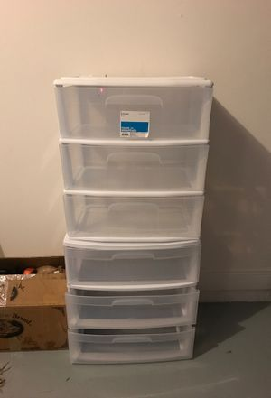 Plastic drawer 3 clear for Sale in Sunrise, FL