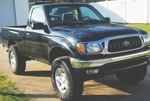 ONE OWNER CLEAN CAR FAX TOYOTA TACOMA 2001 for Sale in Salt Lake City, UT