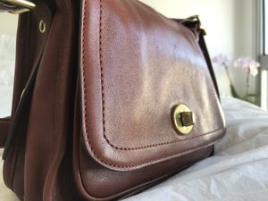 Coach crossbody genuine leather bag for Sale in Los Angeles, CA
