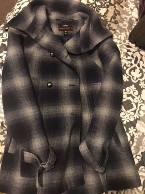 Plaid coat Navy blue for Sale in Salt Lake City, UT