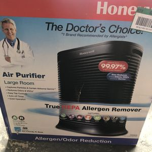 Honeywell True HEPA 310 sq. ft. Allergen Remover Air Purifier for Sale in Garden Grove, CA