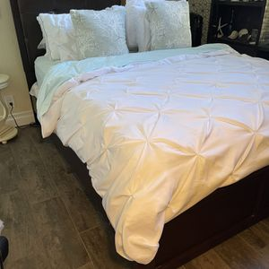 Queen Bed Frame for Sale in Anaheim, CA