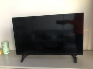 "TV Insignia™ - 32"" Class – LED - 720p – Smart - HDTV – Fire TV Edition for Sale in Chicago, IL"