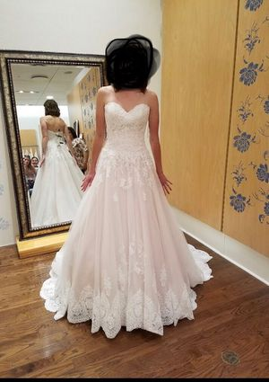 BRAND NEW WEDDING DRESS for Sale in Tampa, FL