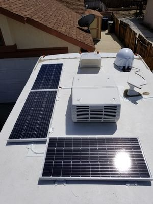 OFF GRID SOLAR RV MOTORHOME SOLAR PANEL SYSTEM KIT (INSTALLED) for Sale in Redondo Beach, CA