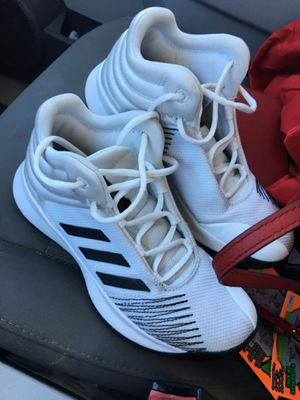 Adidas size 5 for Sale in Dallas, TX