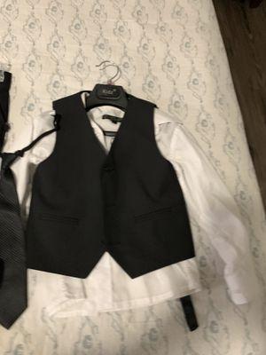 Traje de vestir para fiestas. De niño 6 años seminuevo for Sale in Dallas, TX