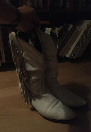White Vintage fringe cowgirl boots for Sale in San Marcos, TX