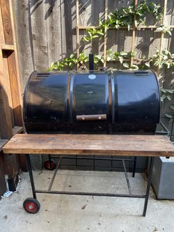 BBQ Smoker/ Grill for Sale in Los Angeles,  CA