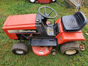 Simplicity tractor needs work for Sale in Bristol, PA