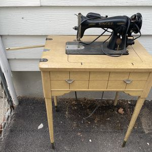 Vintage Singer Sewing Machine with Table for Sale in Bloomfield, NJ