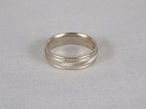 14k white gold ring for Sale in Mitchell, IL