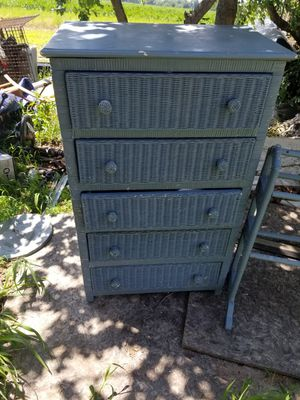 Wicker dresser and night stands. Good condition. for Sale in Batsto, NJ